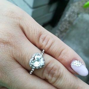 New Beautiful Crystal Heart Shaped Ring